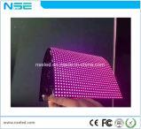 Schermo di visualizzazione flessibile di gomma molle creativo del LED di P5 HD per la pubblicità di media dell'interno