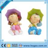 Смолаа производит декоративные Figurines мальчика венчания и статую девушки