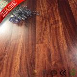 Nouvelle couleur Eir dans declare laminé en relief le plancher en bois de 8 mm