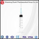 Tre parti di siringa sterile a gettare normale trasparente dei prodotti medici