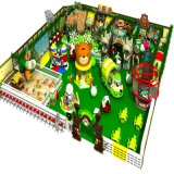 Campo da giuoco dell'interno dei piccoli bambini per la casa