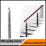 Corrimano di legno della scala dell'acciaio inossidabile per i punti dell'interno