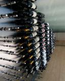 Деревянной шпеньки шкафа вина бутылки индикации хранения установленные стеной алюминиевые