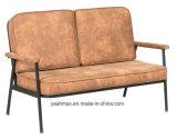 ファブリックによって装飾されるゲストの椅子
