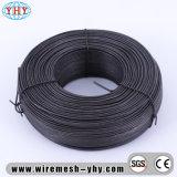 Doucement le noir a recuit le fil de construction de coupure de fer