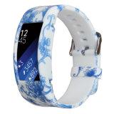 Samsungギヤのための金属の止め金のループバンドシリコーンストラップは2スマートな腕時計に合った