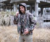 Revestimentos impermeáveis de acampamento Hoodie dos revestimentos da caça ao ar livre dos homens