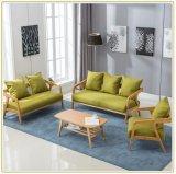 居間新しいデザイン房状のファブリック様式2のSeatersの木のソファー