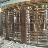 Держатель бутылки вина металла OEM в стеллаже для выставки товаров вина отделки зеркала нержавеющей стали