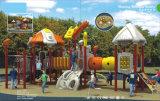 Im Freienschule-Spielplatz-Gerät für Kinder