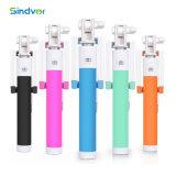 De kleurrijke Getelegrafeerde Verlengbare Handbediende Mobiele Telefoon Monopod van de Kabel
