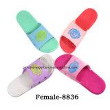 De multi RubberPantoffel van pvc EVA van de Kleur voor de Zadels van het Huis van Vrouwen
