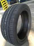 Neumático del coche de UHP con el buen funcionamiento y el precio 235/45R17