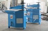 22tonおよび27ton油圧振動アーム切断の革泡の出版物機械
