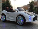 Coche de los cabritos para los niños que conducen paseo autorizado en el coche del juguete