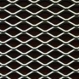 ダイヤモンドによって拡大される金属線の網