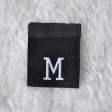 escritura de la etiqueta tejida modificada para requisitos particulares 100%Polyester de la talla para la ropa