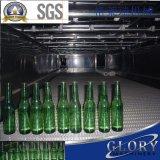 La bouteille en verre a carbonaté le système remplissant de boissons de boisson