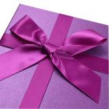 Rectángulo de papel del regalo rojo de la tarjeta del día de San Valentín