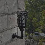De zonne Lichten van de Tuin bevorderden Waterdichte 96LED Schemer Dawn Flickering Flame Lawn Light