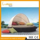 Moderne Innen-/im Freien einzelnes Prüftisch-Rattan-Weidenei-geformte Sofa-Nichtstuer-Stuhl-Ausgangsdaybed-Freizeit-Garten-Hotel-Möbel