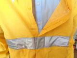 De Gele Regenjas van Rainsuit van de Bevordering van het Jasje van de Regen van pvc met Weerspiegelende Strook