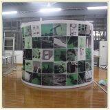 De Muur van de Achtergrond van de halve cirkel voor Tentoonstelling toont de Bevordering van de Opslag