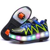 Heely LED Outsoleは在庫の男の子そして女の子のためのローラースケートの靴をからかう