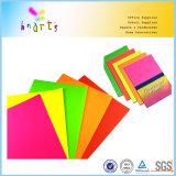 Papel fluorescente del arte brillante del color