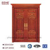 Portelli antichi di legno dell'entrata del foglio del doppio di stile