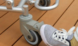 صغيرة حجم [أو] شكل مقادة يعجز حمام [شوور شير] مع عجلة لأنّ يعاق مسنّون