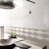 300*900mmの屋内建築材料のための内部の艶をかけられた台所壁のタイル