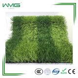 A Erva de futebol perfeito usado no campo de futebol em relva artificial