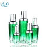 広告L2の化粧品のための新しい緑のアクリルのクリーム色の瓶のローションのびん