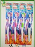 La buona gomma molle di anni 6+ tratta il Toothbrush del bambino
