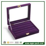 Het eenvoudige Dienblad van de Vertoning van de Juwelen van het Fluweel van de Stijl met Venster