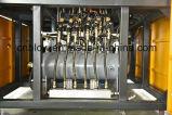 機械を作る3つのキャビティ天然水のびん