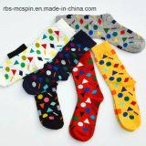 Мода на складе с красочными мужские носки оптовая торговля