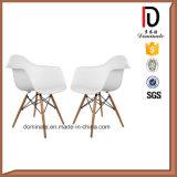 白いカラー余暇のDawの椅子のArmrestのプラスチック大広間の椅子