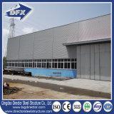 産業ドアが付いている大きいスパン前工学低価格の鉄骨構造の飛行機の格納庫