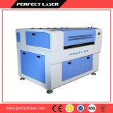 Tagliatrice dell'incisione del laser per il tessuto del cuoio di pattini del panno