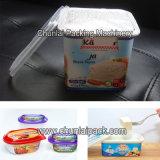 Griechisches Joghurt-Cup, das Lidding Maschine füllt