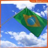 Marquage personnalisé à la main de drapeaux pour des événements sportifs