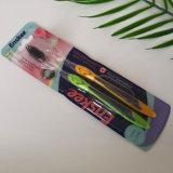 Toothbrush adulto com as cerdas ativadas 2 do carvão vegetal em 1 bloco 826 da economia