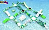 FWPK--Volwassen Grote Overzees 010 die de Opblaasbare Spelen van het Park van het Water drijven