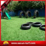 Ajardinar los precios artificiales del césped de la hierba sintetizada suave para la decoración de la boda