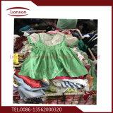Красивые использовать детскую одежду, экспортируемых в Африке