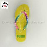 Яркий цвет ботинка ЕВА для девушки