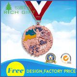 最も新しく赤い記念品3Dはカスタマイズされたリボンが付いているメダルに金属をかぶせる