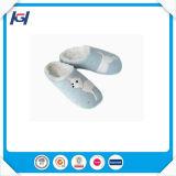 Подогреватели бутылочек ног при ежедневном использовании зимы с одной спальней и тапочки для леди